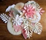 Бумажные цветы на стену своими руками: какую использовать бумагу, этапы выполнения, идеи для дизайна, фото